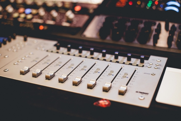 5 Reasons to Attend Audio Engineering Schools