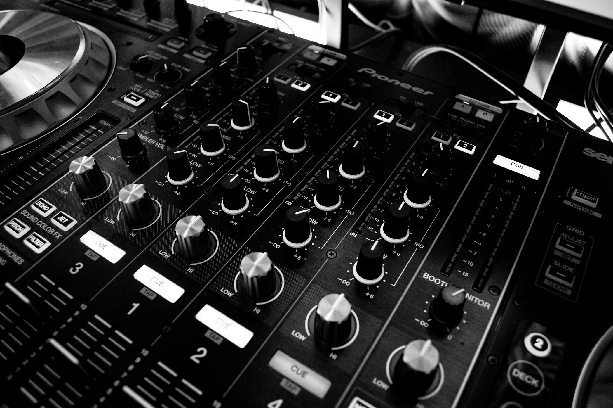 Fundamentals of Live Mixing